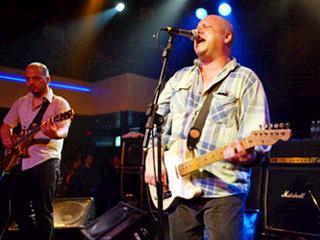 Las dos guitarras de Pixies chillando otra vez